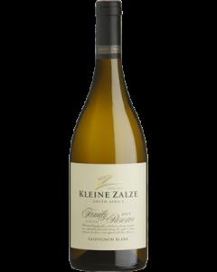 Kleine Zalze Family Reserve Sauvignon Blanc 2017 wine bottle shot